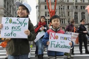Fukushima evacuees demonstrate in N.Y.