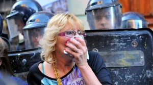 SOS – Brutale Polizeigewalt bei der Demonstration gegen Monsanto in Argentinien – Brutal police violence at the demonstration against Monsanto in Argentina