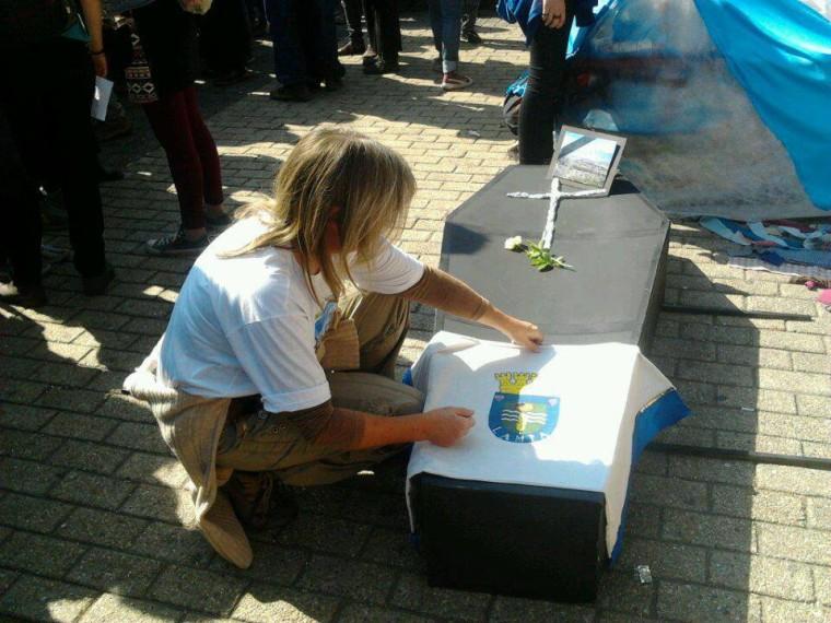 Netzfrau Birgit bei der 2. Demo in Chile
