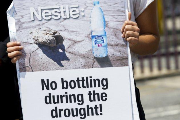 Waldbrände, Dürre und Wasserrationierung  – Nestlé macht weiter – Nestle shouldn't be profiting off of water that Californians and Canadian desperately need