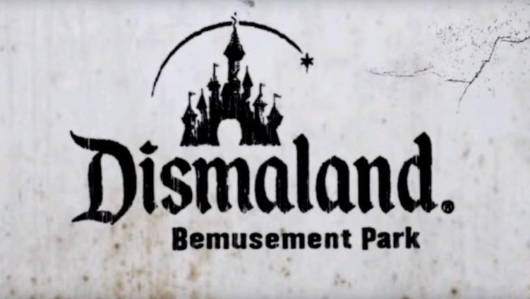 Banksy – Trailer zeigt Attraktionen, die einen in »Dismaland« erwarten