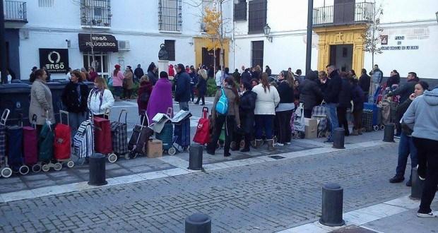 Gewusst? Hungerschlangen in Spanien – Hungern, während Banker sich ihre Schandtaten mit Millionen versüßen