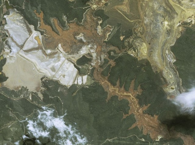 SPOT 6/7 image of the Bento Rodrigues dam failures via Airbus Defence and Space