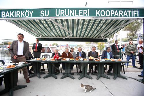 Republican People's Party (CHP) leader Kemal Kilicdaroglu met with ex-Uruguay leader Jose Mujica, who was famed with his humble character, in a breakfast in Istanbul on Friday.