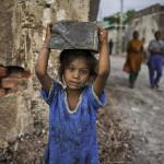 """Kinder sind """"billig"""" und ihren Peinigern schutzlos ausgeliefert –  Kinderprostitution, Kinderhandel, Kindersoldaten, Kinderarbeit"""