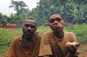 Forced out of the forest, many Baka communities complain of a serious decline in their health. Living on the roadside, they are increasingly exposed to malaria and other diseases. © Survival International