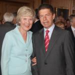 Ehemann von Merkel ist Kuratoriumsmitglied der Friede-Springer-Stiftung