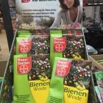 """Greenwashing mit Unterstützung von HSV! """"The bee-killer"""" Chemiekonzern Bayer spielt """"Retter der Bienen"""""""