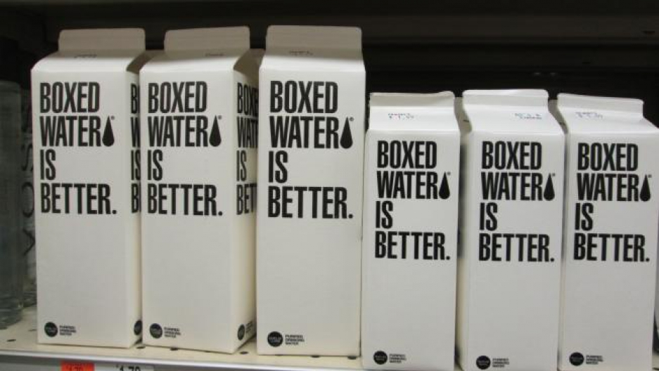In Concord, Massachusetts, Single-Serve-Kunststoff-Wasserflaschen werden aus shleves verboten.