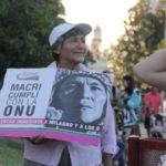 Menschenrechtsverletzungen durch argentinische Regierung, die aus Investmentbankern besteht! Die mutigen Mütter marschieren wieder!  La ronda número 25 a la Plaza Belgrano de Jujuy