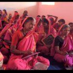 Eine Geschichte, die Hoffnung macht - Aajibaichi Shala, erste Schule in Indien für Omis - Inside India's Only School For Grannies