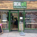 Tolle Idee - Essen,Trinken und Gutes tun - Schottisches Café Social Bite sammelte Spenden für ein ganzes Dorf für Obdachlose