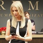 Erwischt: Ivanka Trump bezahlt minimale Löhne an Arbeitende in Ausbeuterbetrieben für 57-Stunden-Wochen - BUSTED: Ivanka Trump pays sweatshop workers near minimum wage for 57-hour workweeks