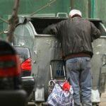 Armut in der EU treibt Menschen in den Selbstmord, Eltern verkaufen ihre Babys und Regierung sich selbst an China!