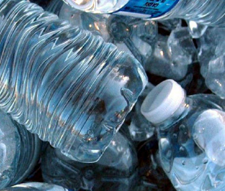 studie 64 des flaschenwassers ist wasser aus der leitung und kostet das 2000 fache report. Black Bedroom Furniture Sets. Home Design Ideas