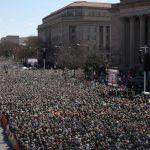 """""""March For Our Lives""""- 'We are the change' – """"Wir sind die Veränderung""""- Wir müssen unsere Lehrer mit Stiften, Papier und dem Geld, das sie brauchen, bewaffnen"""