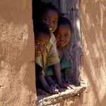 Madagaskar- Stell Dir vor, John LENNON wäre statt Maggie Thatcher gewählt worden, wie sähe die Welt heute aus?