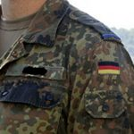 """Immer mehr Skandale im Verteidigungsministerium! """"Nähen für die Bundeswehr"""" Menschenrechtsverletzungen in Tunesien!"""