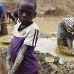 Die schmutzigen Machenschaften der Konzerne - Zerstörung von Regenwald, Wasserverschmutzung, Landraub, Kinderarbeit -The Big Dirty Secret of the World's Biggest Companies -Child labour rises globally